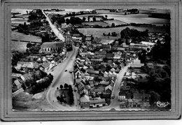 CPSM Dentelée - WORMHOUT (59) - Vue Aérienne Du Bourg En 1958 - Wormhout