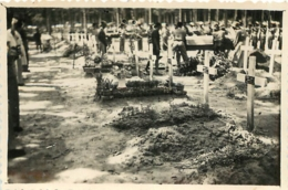 VIETNAM INDOCHINE  TOMBES CEREMONIE FUNERAIRE  PHOTO  8.50 X 6 CM - Orte