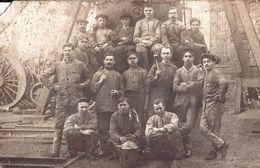 PHOTO  CARTE  - Groupe De Mineurs - Belle Fleur - Carte Abîmée Non Pliée ( 253 ) - Mijnen