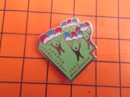 2319 Pin's Pins / Beau Et Rare / Thème SPORTS / PARACHUTISME CHAMPIONNAT DE FRANCE MULHOUSE 92 - Paracaidismo