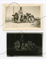 PHOTO Et Négatif Souple. Moto NORTON . Un Homme Soldat Assis Sur Une Moto. Immat 797 PC 6 . Piacenza Août 1949 - Coches
