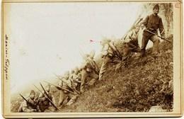 1850 - Suisse- Militaria-Peloton  D' Alpins En Montagne -  PHOTO ALBUMINEE -collée Sur Carton Surement Trés RARE1898 - Oorlog, Militair