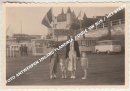 FOTO ANTWERPEN INGANG FLANDRIA / OUDE VW BUS / HET STEEN - Antwerpen