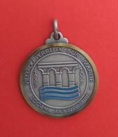 Médaille En Acier Ville Du Perreux Sur Marne - 100ème Anniversaire - 1887-1987 - Touristiques
