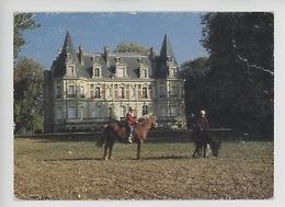 Hommes : Château De La Briche, Chevaux Sport équestre (cp Vierge N°19495) - Altri Comuni