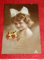 ENFANTS  - FANTAISIES -  Jolie Petite Fille Au Noeud Dans Les Cheveux - Portraits