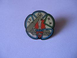 ARMEE 32 RA REGIMENT ARTILLERIE 1977 1992 - Militaria