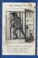 Adolf Hitler En Cage    Bête Féroce   Un Peu Sale - Guerre 1939-45