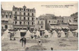 Les Sables D'Olonne - Splendid Hôtel - L'Hôtel Et Ses Abords Pris De La Plage - France