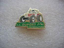 Pin's Tracteur Agricole De Marque STEYR Chez A. DUPONT Motoculture - Pins