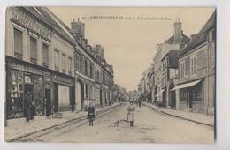 CHATEAUNEUF-en-THIMERAIS (28) - Vue Prise Grande Rue - Commerce Quincaillerie G. Repesse - Caisse Moto Naphta - Animée - Châteauneuf