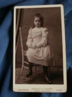 Photo CDV  Bellingard à Lyon  Jolie Fillette Assise  Belle Robe  CA 1890 - L481B - Photographs