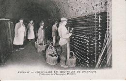 279456Épernay, Entreillage Des Bouteilles De Champagne (voir Coins) - Esternay