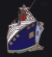 60631-Pin's.bateau.paquebot.. - Boats