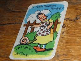 Carte Jeu Des 7 Familles Escargot Bourgogne Fille Jardin Sabots - Group Games, Parlour Games