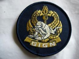 ECUSSON DE LA GENDARMERIE NATIONALE LES PLONGEURS DU GIGN (VARIANTE EN BLEU) SUR VELCROS - Police
