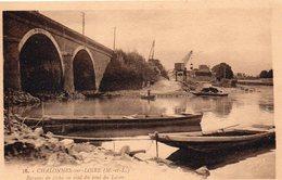 Chalonnes-sur-Loire Animée Barques De Pêche Le Pont Sur Le Layon Batellerie - Chalonnes Sur Loire