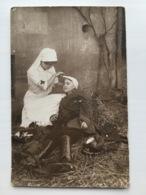 Foto Ak Femmes In Uniform Soeur Et Soldat Regiment Kepi 96 Beziers - Guerre 1914-18