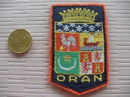 ECUSSON TISSU DE VILLE OU REGION ORAN - Ecussons Tissu