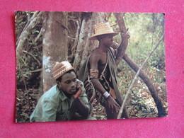 Guinea-Bissau - Combattant Et Élèment De La Population - Combatente E Membro Da População - Fighter And Civilian - Guinea-Bissau