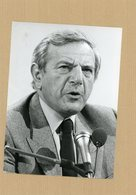 PHOTO PRESSE   BERNARD HANON  P.D.G.  DE LA REGIE RENAULT 1984 - Identified Persons
