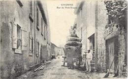 Vivonne (Vienne) Rue Du Petit Souper, Belle Animation (déchargement Voiture) Collection Jollit - Vivonne