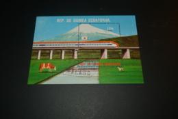 K29108 - Bloc Used Guinea Ecuatorial - Japonese   Trains - Treinen
