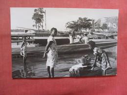 Photo-- Doing Laundrey   Ref 3817 - Postcards