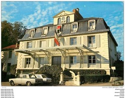 Photo Cpsm Cpm 92 CHATENAY-MALABRY. Simca 1300 Devant La Mairie - Chatenay Malabry