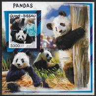GUINEE BISSAU  BF 1364 * *  ( Cote 19e )  Ours Panda Merkel Jimping - Orsi