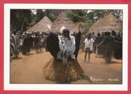 CÔTE D'IVOIRE - Danse Du Masque GUE PLE  Fête Des Ignames Au Village GBONI * Photo D'Art Maurice ASCANI * 2 SCANS *** - Ivory Coast