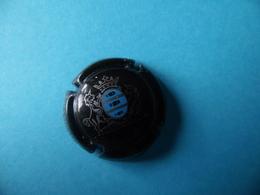 CAPSULE DE CHAMPAGNE  -  GUY DE CHASSEY  --  N° 13 Fond Noir Dessin Blanc - Champagne