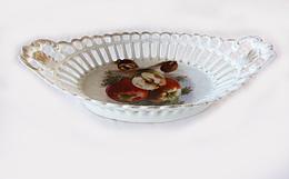 Coupes à Fruits Décor Fruits Ou Personnages Porcelaine Ajourée 1900 Vintage - Ceramics & Pottery