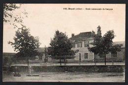 DOYET:  Gros Plan Sur L'école Communale De Garçons. Carte écrite Par Georges Pouènat En 1927. SUPERBE. - Francia