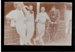 CONGO BELGE 4 Hommes Et Un Velo 1909 Old Photo Postcard - Congo Belge - Autres