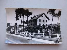 17 Saint-Trojan, Boulevard Pierre Whein, Animée Vers 1950 Ref 920 CP01 - Unclassified