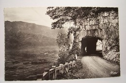 SAINT-HILAIRE-DU-TOUVET   -Tunnel    - ( Pas De Reflet Sur L'original  ) - Saint-Hilaire-du-Touvet
