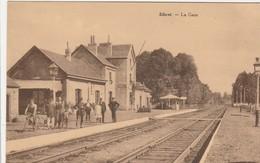 Sibret , ( Vaux -sur - Sûre ) , La Gare ,( Intérieur , Quai , Très Animée ) - Vaux-sur-Sûre