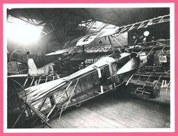 Photo Avion - Aviation - Cadavre - Epave D'Avions Allemands Dans Un Hangar - Photo Imperial War Museum - Aviazione