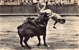 Spain España  Corrida De Toros  Photo Foto  Cogida Arruza Fotografo Zerkowitz      Stierengevecht   Barry 4100 - Stieren
