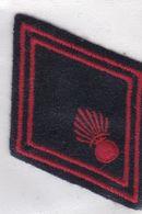 T 10) Écusson Tissu Militaire Ou Autre: (Fmt Largeur 5.5  Hauteur 7.5 ) - Patches