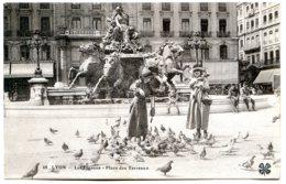 69001 LYON - Place Des Terreaux, Fontaine De Bartholdi - Lyon
