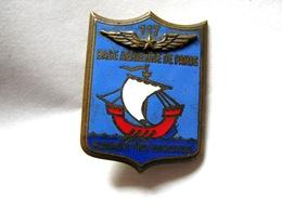 ANCIEN INSIGNE EMAILLE ARMEE DE L'AIR LA BA 117 BASE AERIENNE DE PARIS DRAGO ETAT EXCELLENT - Airforce