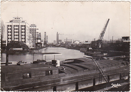 67 - STRASBOURG - Le Port Du Rhin - 1950 / Péniches - Strasbourg