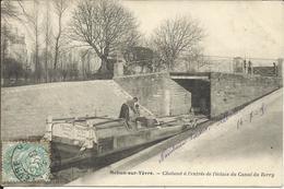 * MEHUN SUR YEVRE , Chaland à L'entrée De L'écluse Du Canal Du Berry , 1905 , CPA ANIMEE - Mehun-sur-Yèvre