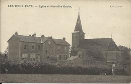 * LES DEUX FAYS , Eglise Et Nouvelles Ecoles , CPA ANIMEE - Other Municipalities