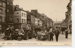 1617. CPA 14 LISIEUX. LA PLACE GAMBETTA UN JOUR DE MARCHE - Lisieux