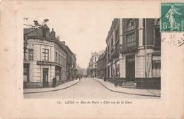 62 Lens Rue De Paris Coté Rue De La Gare Café Metropole Derache Cpa Edit Delattre Goudin Cachet Lens - Lens