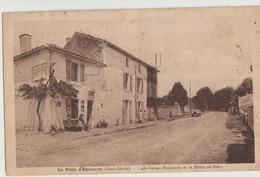 Le Pont D'Epannes  79   La Route De Niort-Voiture Et Café-Tabac Et Trottoir Animé - Autres Communes