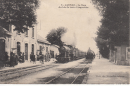 16 JARNAC La Gare Arrivée Du Train D'Angoulême - Jarnac